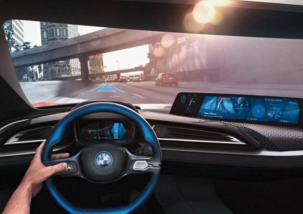 BMW определилась с датой дебюта электрокара i4 2