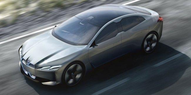 BMW определилась с датой дебюта электрокара i4 3