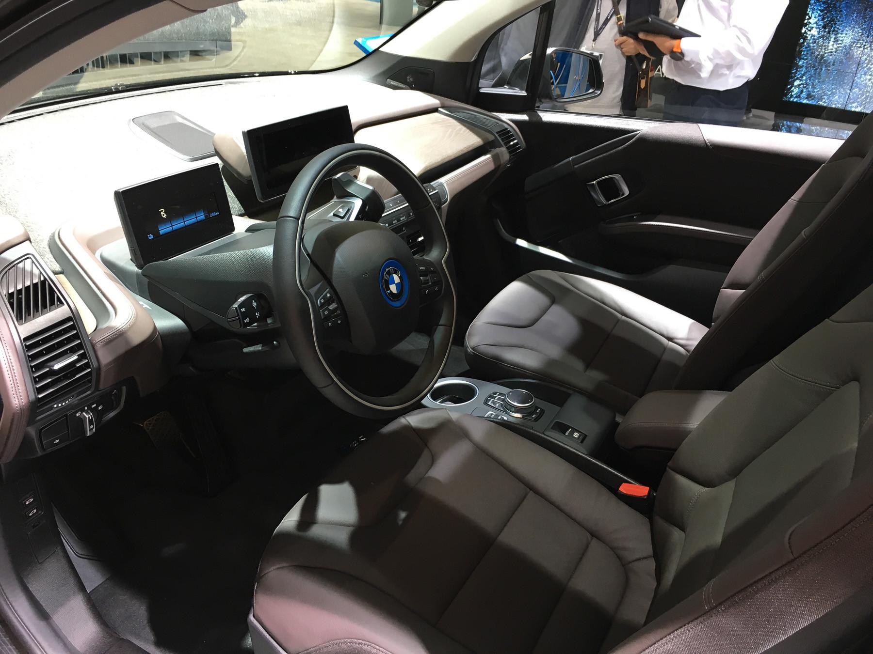 Крохотный BMW пережил обновление 4