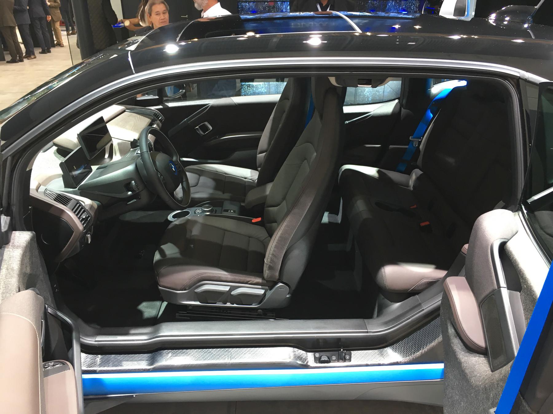 Крохотный BMW пережил обновление 3