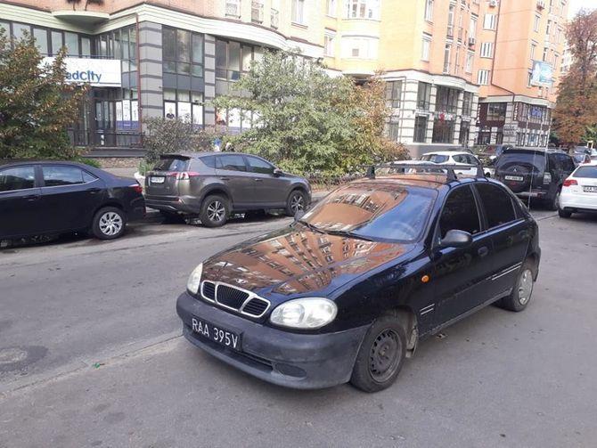 В Украине заметили Ланос с очень странными номерами 1
