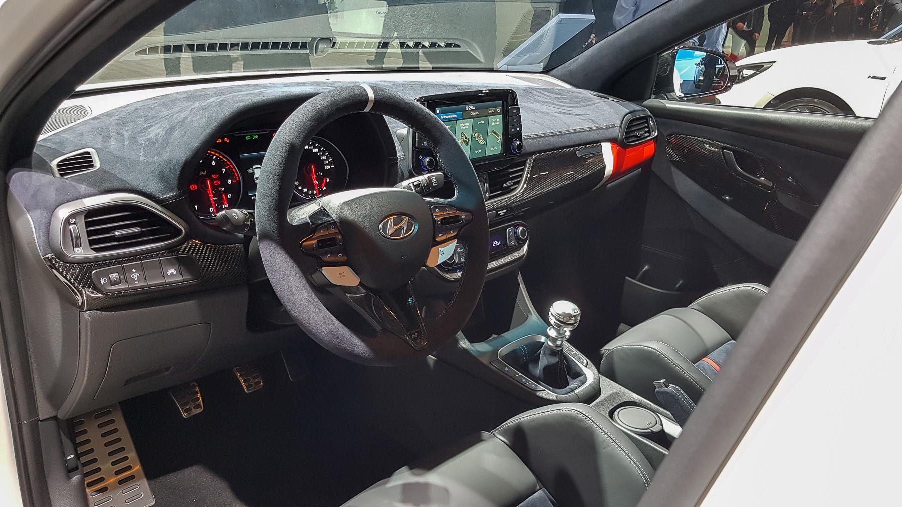 Hyundai показала «спортивный» концепт 4