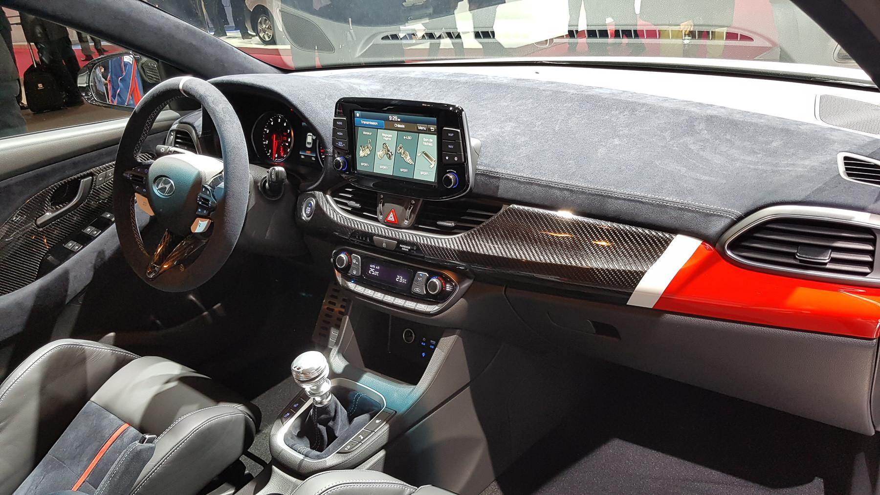Hyundai показала «спортивный» концепт 3