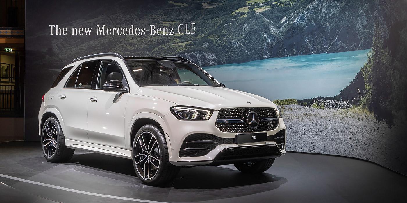 Mercedes-Benz показал в Париже GLE нового поколения 1