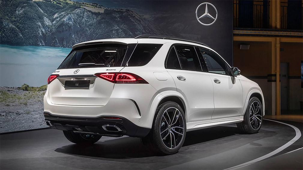 Mercedes-Benz показал в Париже GLE нового поколения 2
