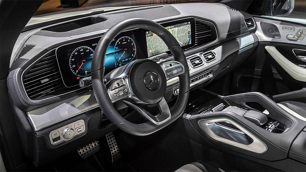 Mercedes-Benz показал в Париже GLE нового поколения 3