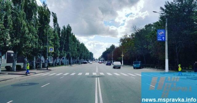 Вдоль украинских дорог появляются «пугала» для водителей 1