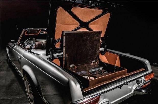 Тюнеры сделали старому «Мерседесу» по-настоящему кожаный салон 3