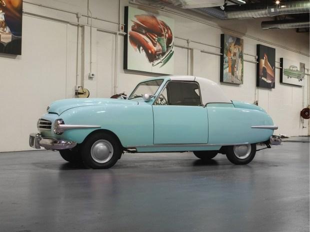 Уникальный автомобиль Playboy выставлен на продажу 1