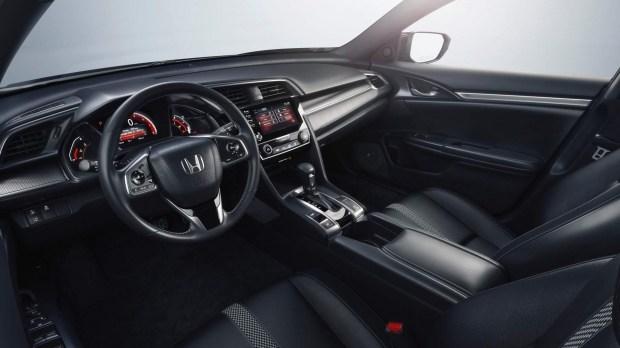 Honda представила обновленный Civic 4