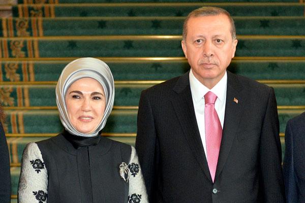В Киргизии полицейских уволили из-за пробки перед женой Эрдогана 1
