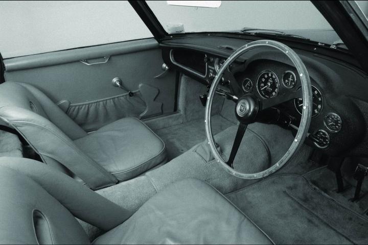 Aston Martin и Zagato «перевыпустят» классический DB4 GT и построят новый спорткар 3