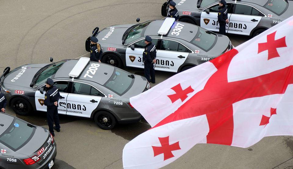 Ford Taurus Interceptor - новые машины для полицейских 1
