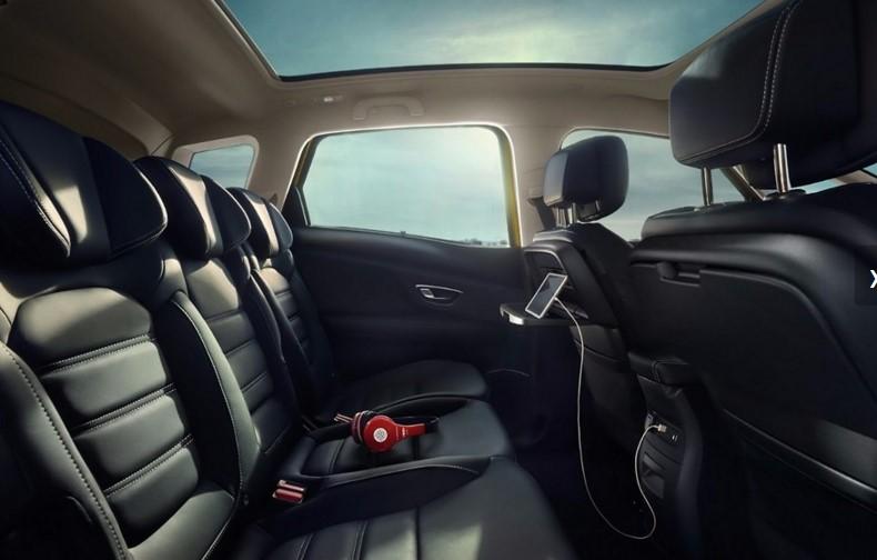 Новый Renault Scenic стал «еще вместительнее» 3