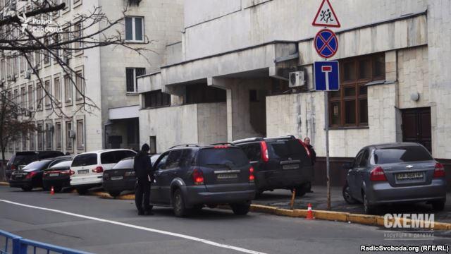 Полицейские «игнорируют» нарушения ПДД в «правительственном квартале» 2