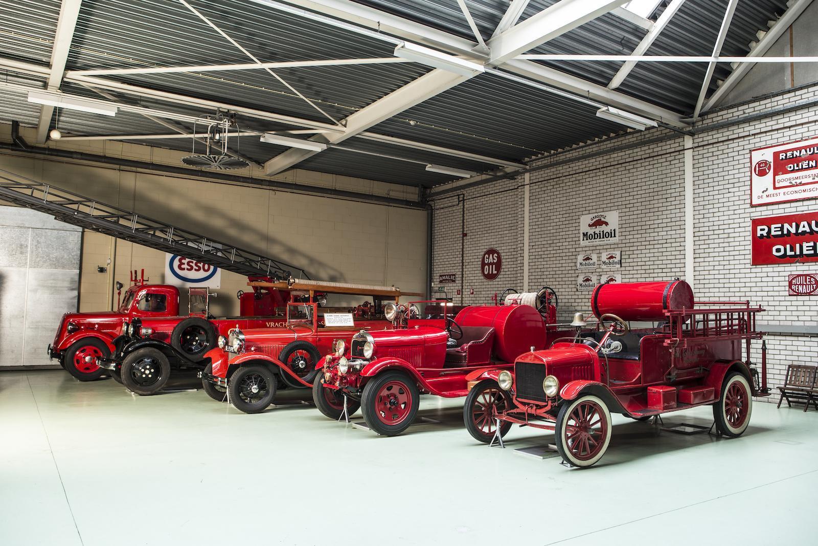 Крупную коллекцию ретромобилей Ford выставили на торги 3