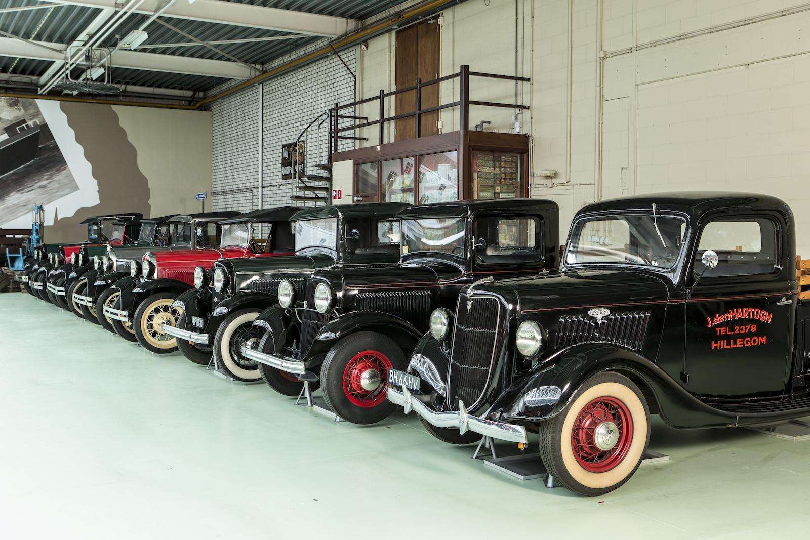 Крупную коллекцию ретромобилей Ford выставили на торги 2