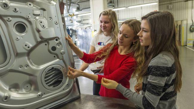 Студенты сделают из кроссовера Skoda Karoq кабриолет 4
