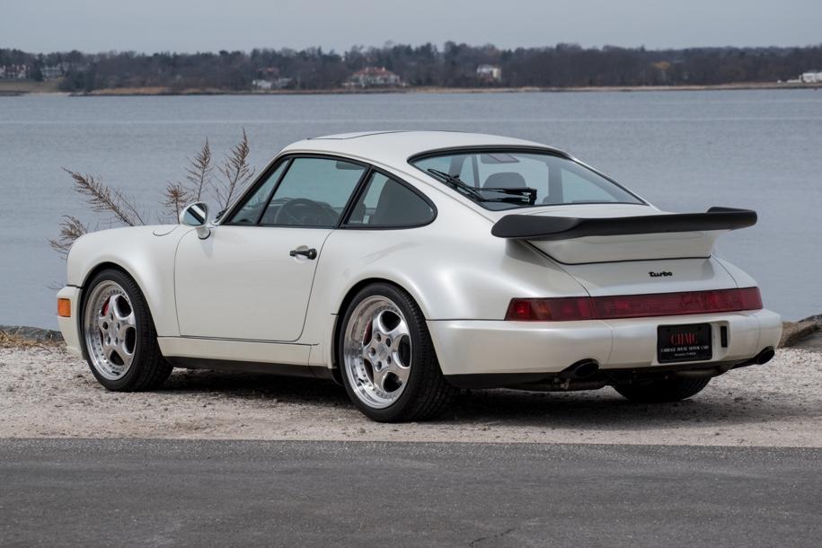 Porsche, который 24 года стоял без движения, пустят с молотка 2