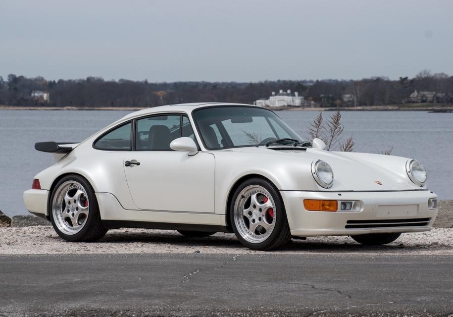 Porsche, который 24 года стоял без движения, пустят с молотка 1