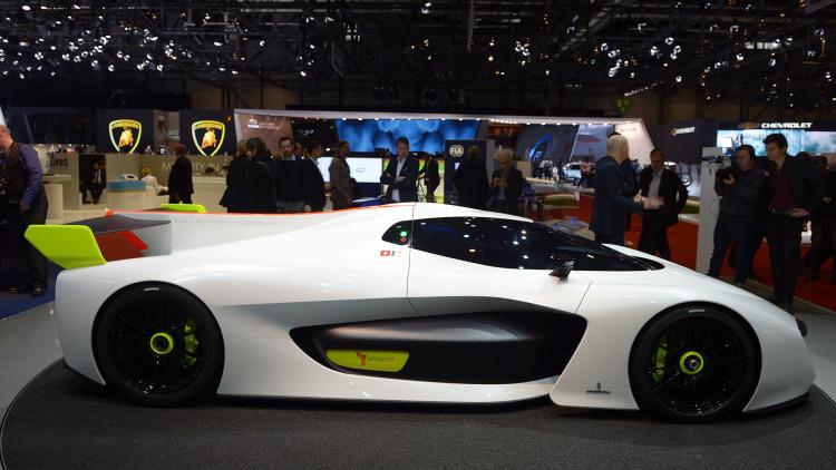 В Женеве представили скоростной водородный суперкар 1
