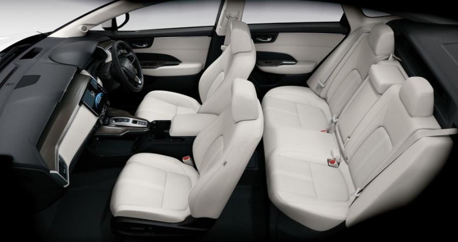 В продажу поступил пятиместный водородный седан от Honda 3