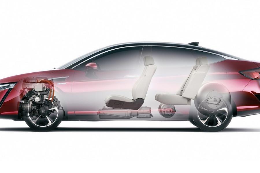 В продажу поступил пятиместный водородный седан от Honda 2