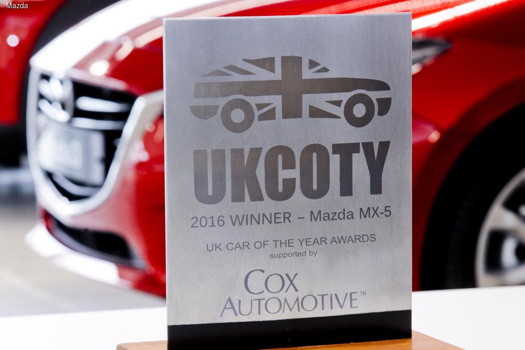В Великобритании Mazda MX-5 признали «Автомобилем года»  1