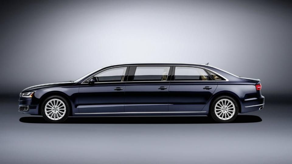 Компания Audi построила эксклюзивный шестидверный автомобиль 1