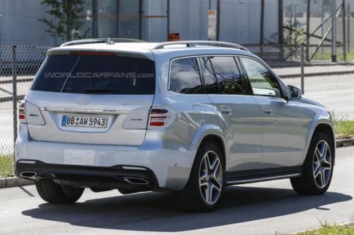 СМИ впервые заметили 2016 Mercedes-Benz GLS  2