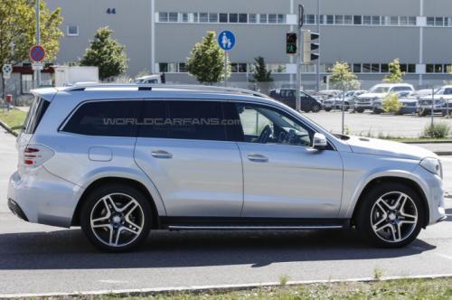 СМИ впервые заметили 2016 Mercedes-Benz GLS  5