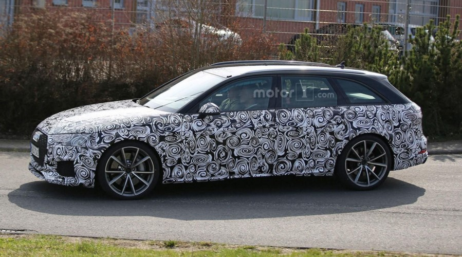 Audi начала тесты новой версии RS4 Avant 2