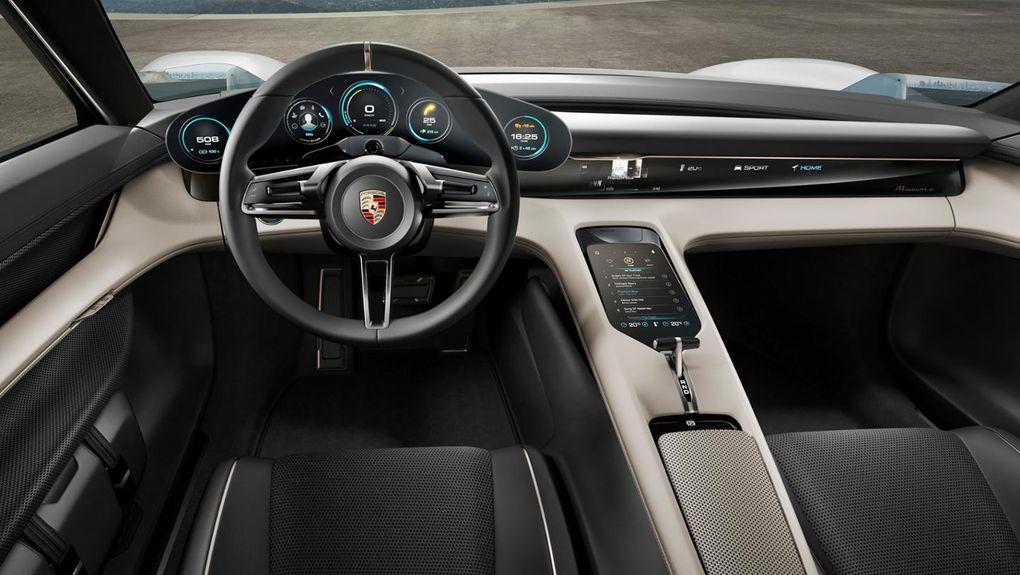 Tesla пригласила на работу дизайнера Porsche 1