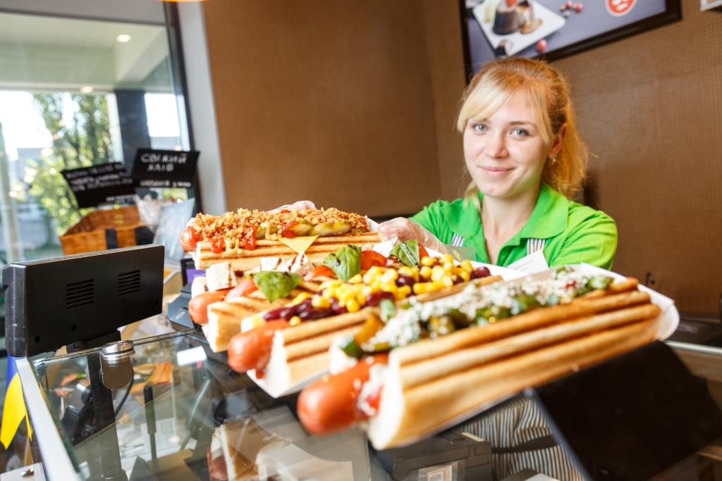 Новыми хот-догами от вкусной заправки уже можно насладиться в 4 областях Украины 1