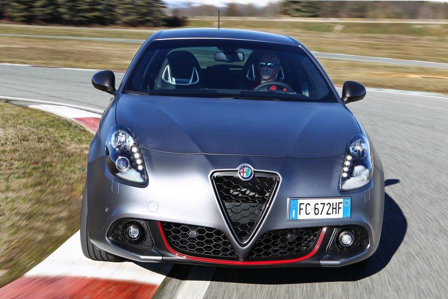 Компания Alfa Romeo «обновила» хэтчбек Giulietta 2