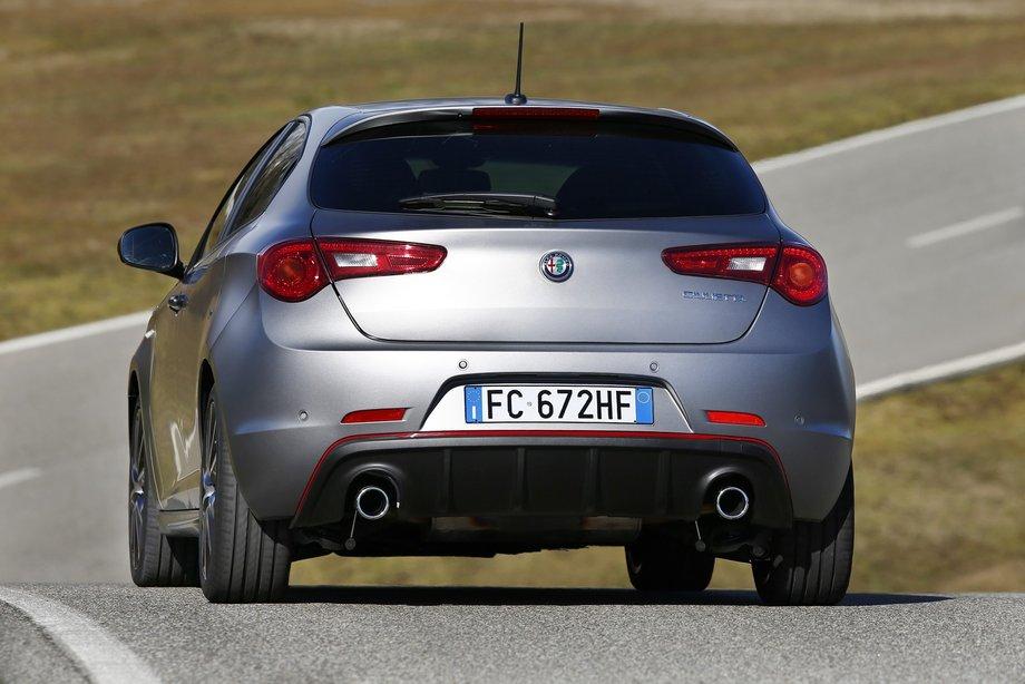 Компания Alfa Romeo «обновила» хэтчбек Giulietta 3
