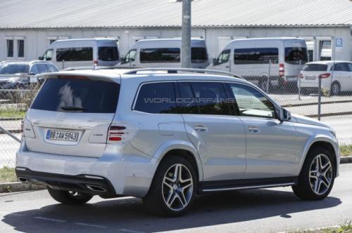 СМИ впервые заметили 2016 Mercedes-Benz GLS  4