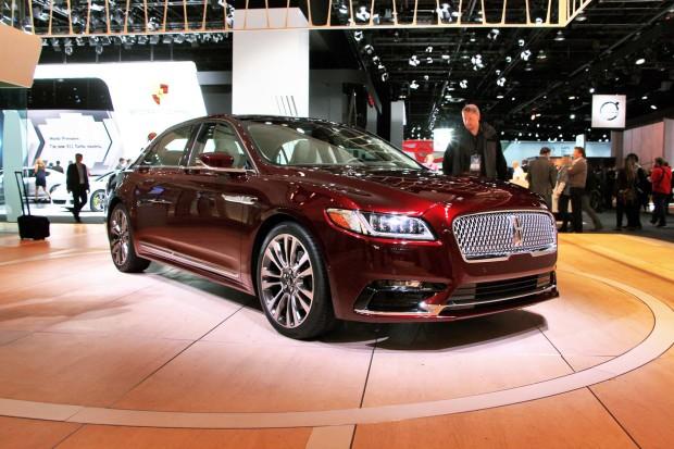 Стали известны цены на седан Lincoln Continental 1