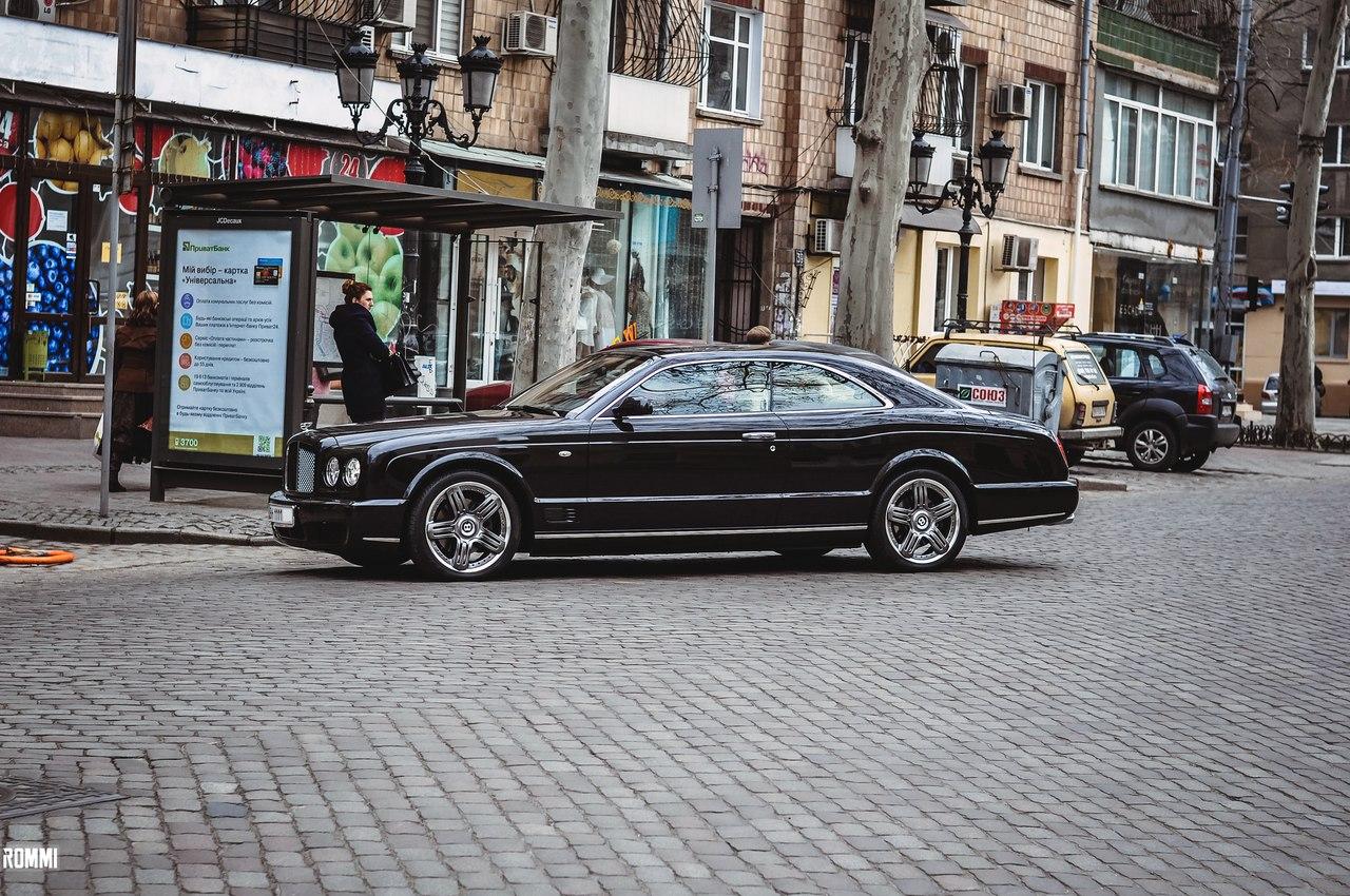 В Украине замечен редчайший автомобиль Bentley Brooklands 1
