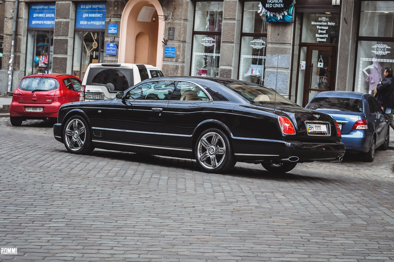 В Украине замечен редчайший автомобиль Bentley Brooklands 4
