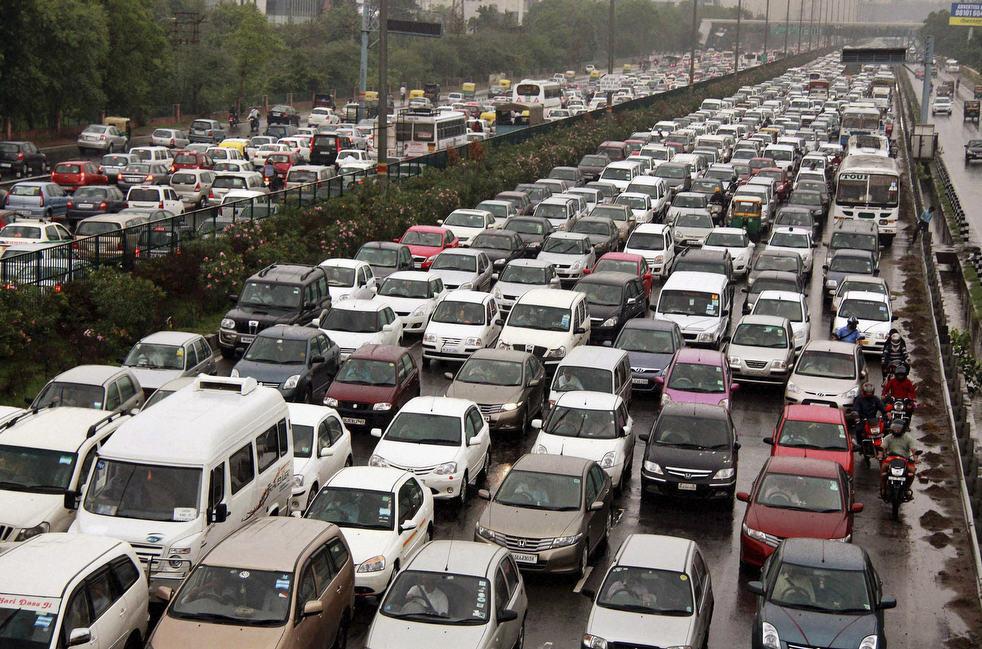 В столице Индии запретят автомобилям выезжать на улицы 1