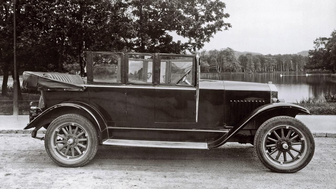 Компании Volvo исполнилось 99 лет 1