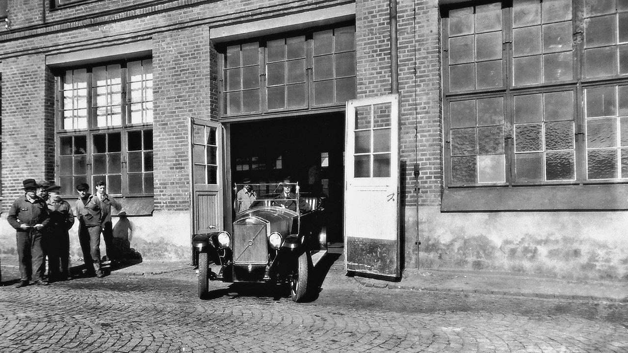 Компании Volvo исполнилось 99 лет 2