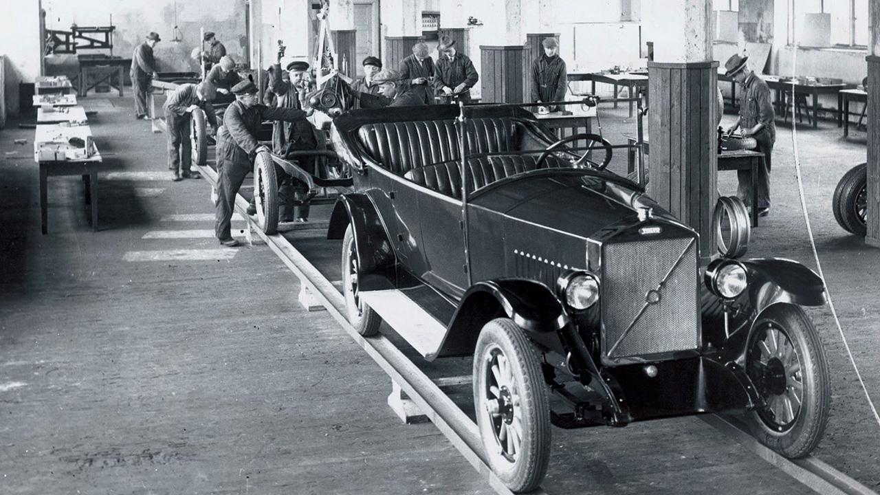 Компании Volvo исполнилось 99 лет 3