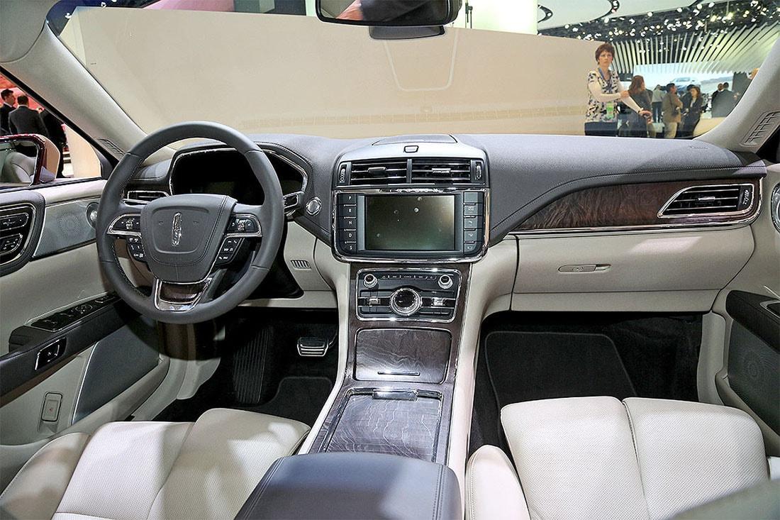 Стали известны цены на седан Lincoln Continental 2