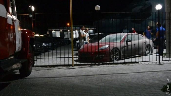 Porsche Panamera взорвался прямо в автосалоне 2