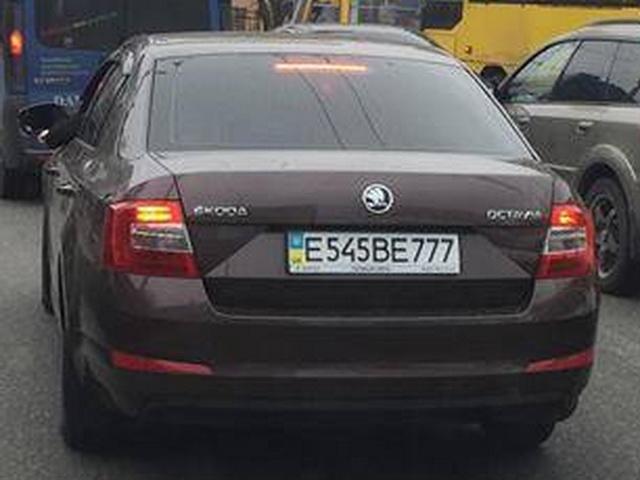 «Маскировка не удалась»: украинские номера на российских авто 4