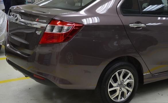 Седан Perodua Bezza выходит на автомобильный рынок 2