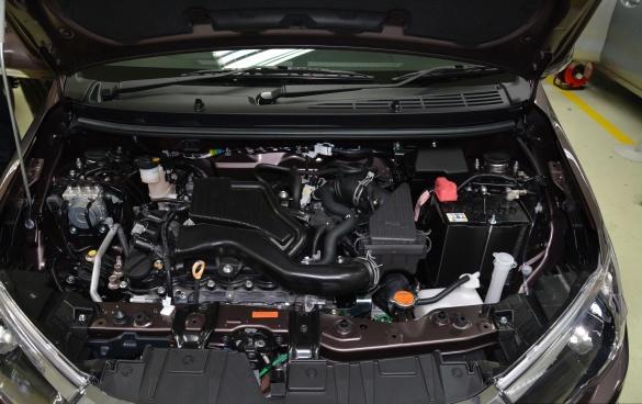 Седан Perodua Bezza выходит на автомобильный рынок 4