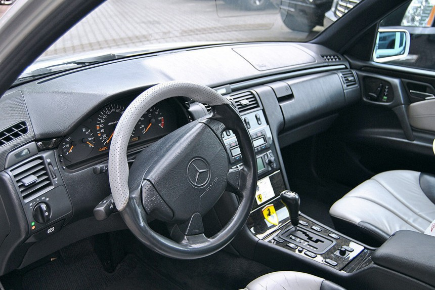 «Заряженный» Mercedes Шумахера выставлен на аукцион 2